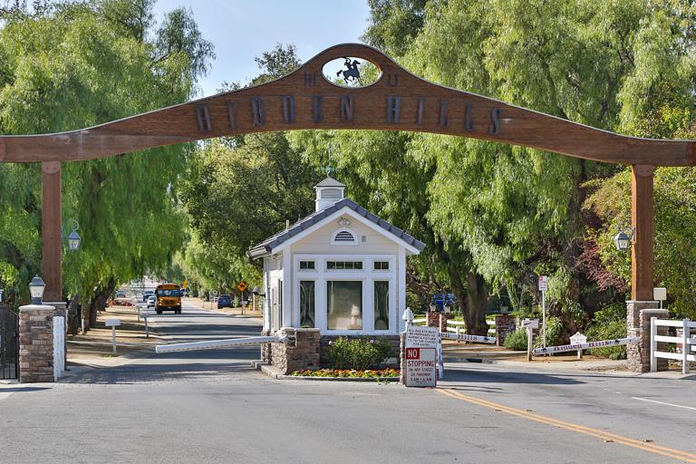 Hidden Hills Calabasas Gates to Community