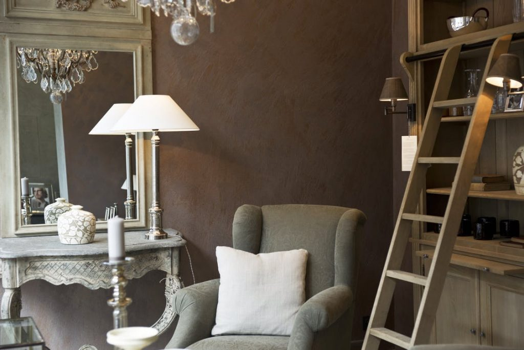 Accent your home for sale with vintage inspired furniture