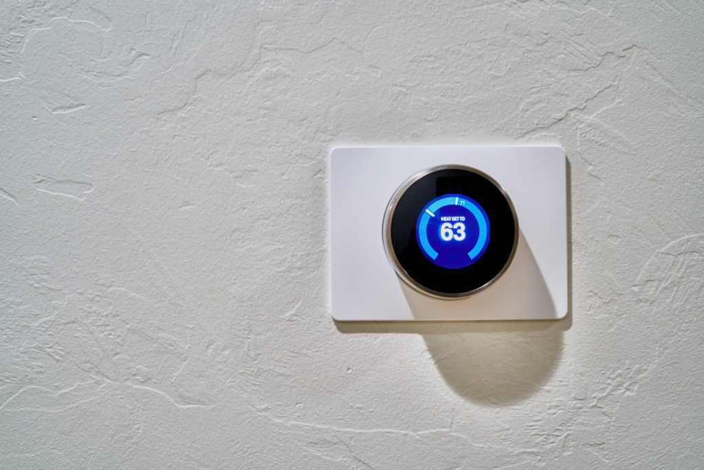 smart heating and cooling thermostat