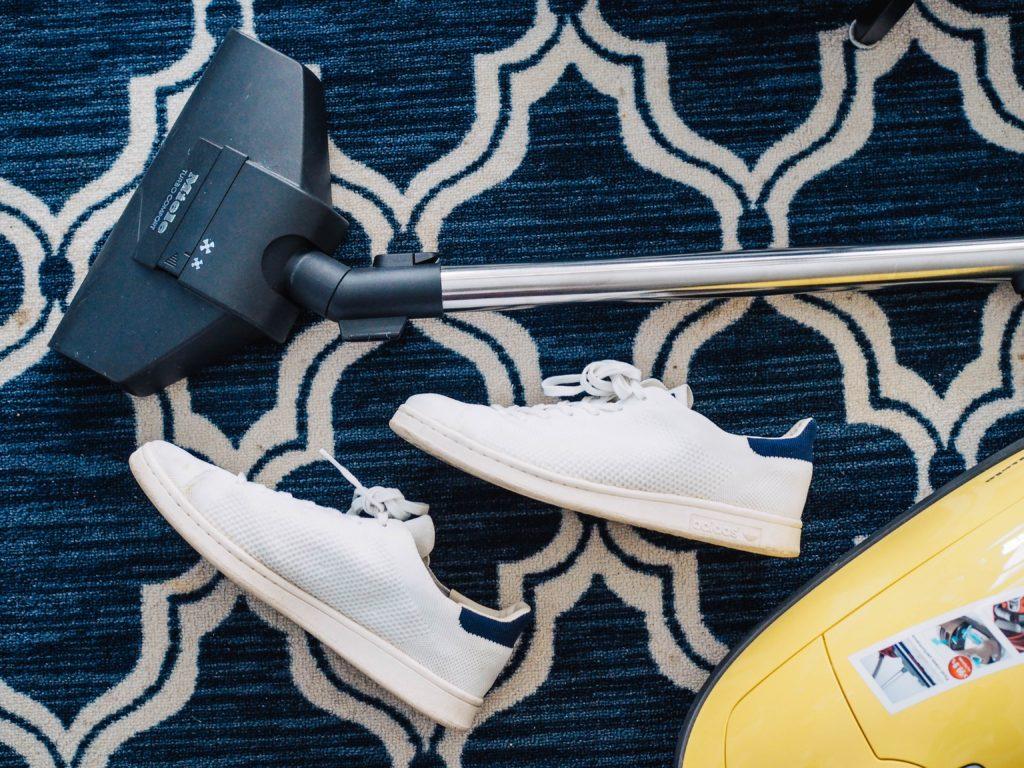 vacuum carpet housekeeping