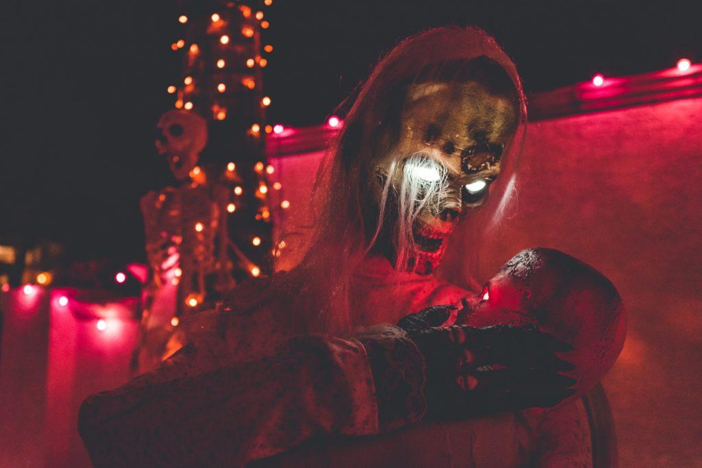haunted house skeleton
