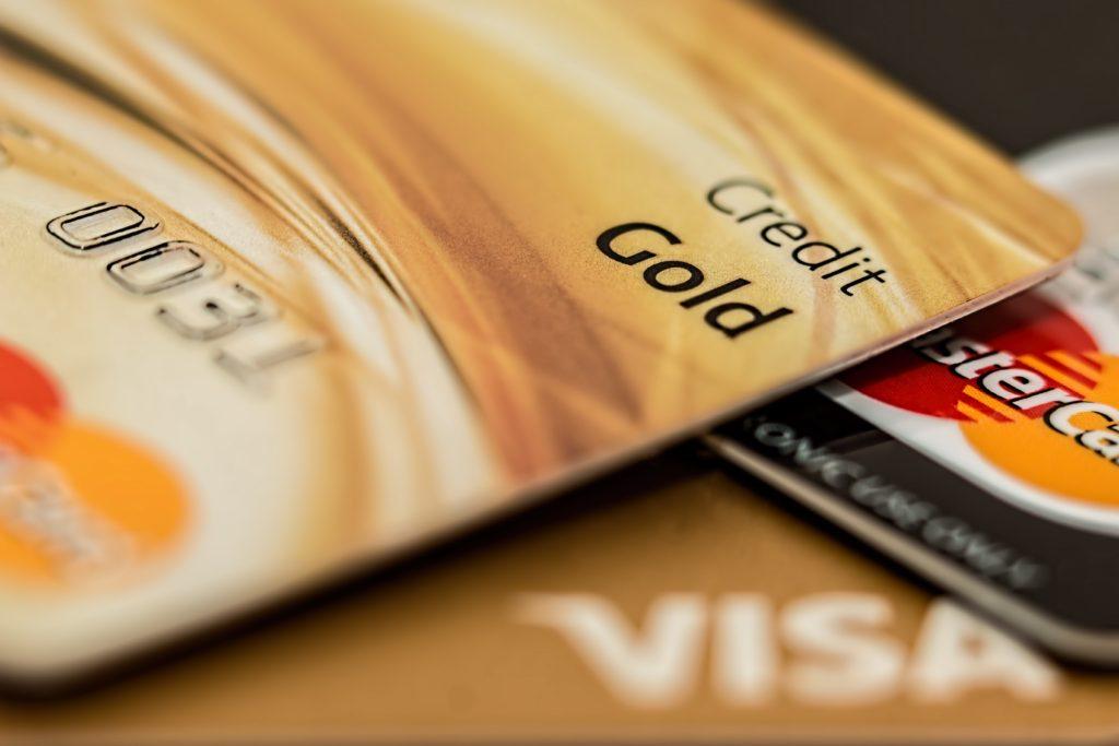 master-card-visa-credit-card-gold