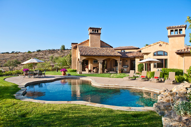 60 Presidential Dr. in Simi Valley, CA