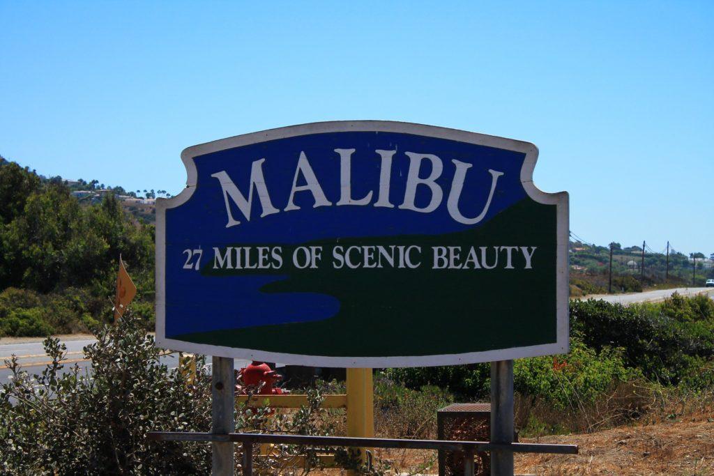Malibu welcome sign